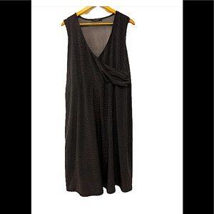 Pennington's Monochrome polka dot dress size 16